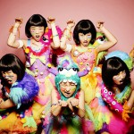 TEMPURA KIDZ pose like a snake and prance at the world!